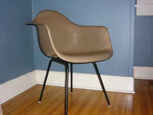 found-fiberglass-chair.jpg