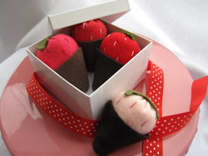 etsy-felt-strawberries