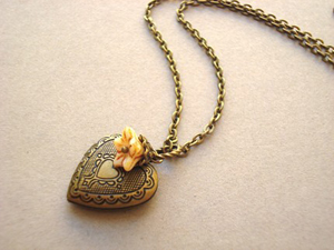 etsy-heart-necklace