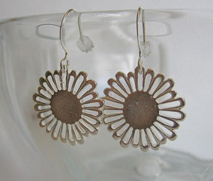 earrings-daisy